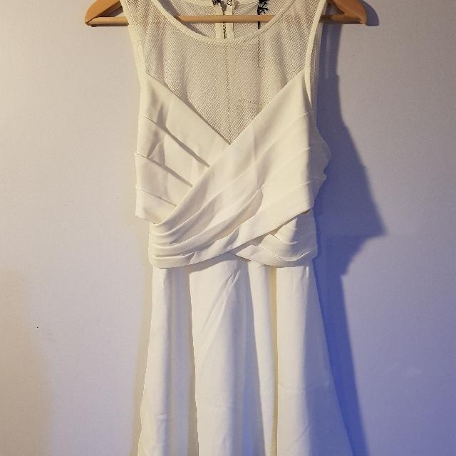 BRAND NEW ROSEBULLET white dress size 12