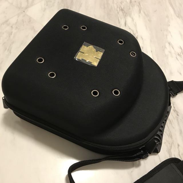 Cap Carrier Bag for 6 New Era caps. (Caps not included) 1c2de7a511f6