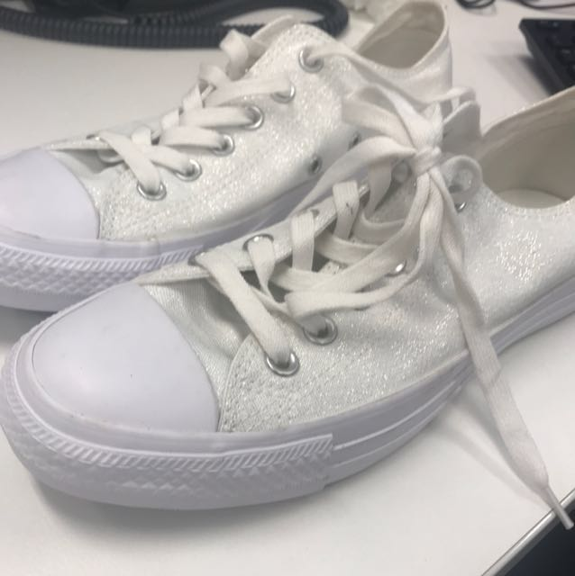 Converse All Star size 39 (US 8)
