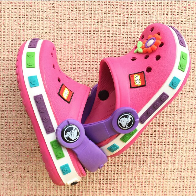 Crocs Lego ( excellent condition)