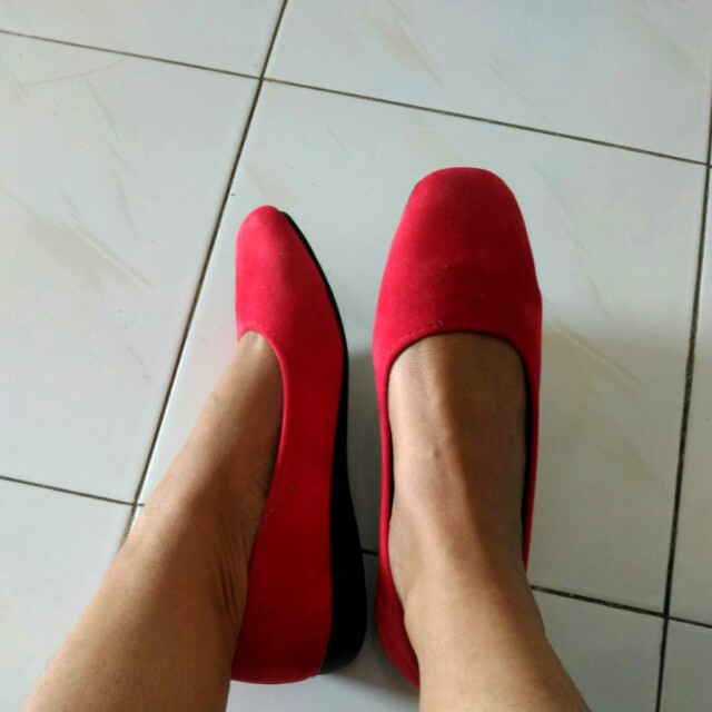 Flat shoes merah murah