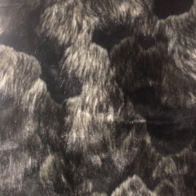 Forever 21 faux fur vest nwt
