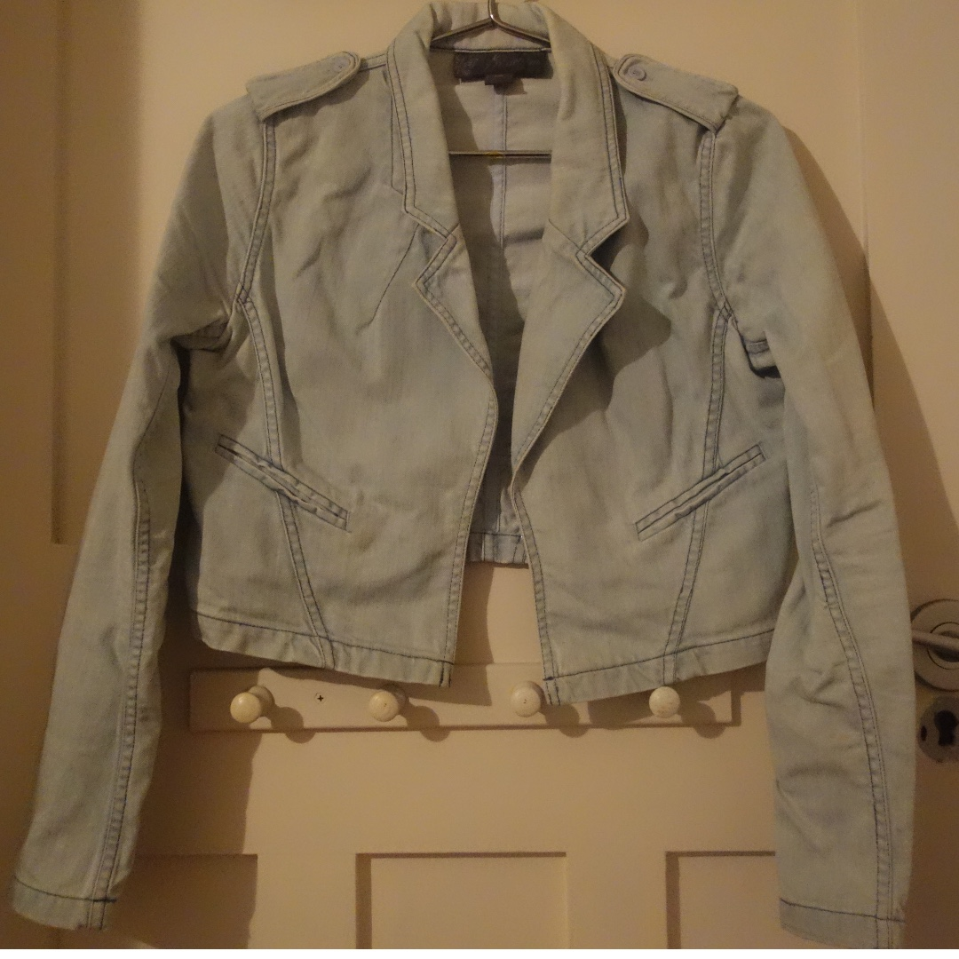 Forever New cropped denim jacket - size 10