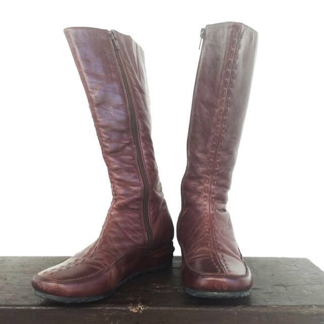 FREE NCR Delivery- Brown Calf Length Leather Boots