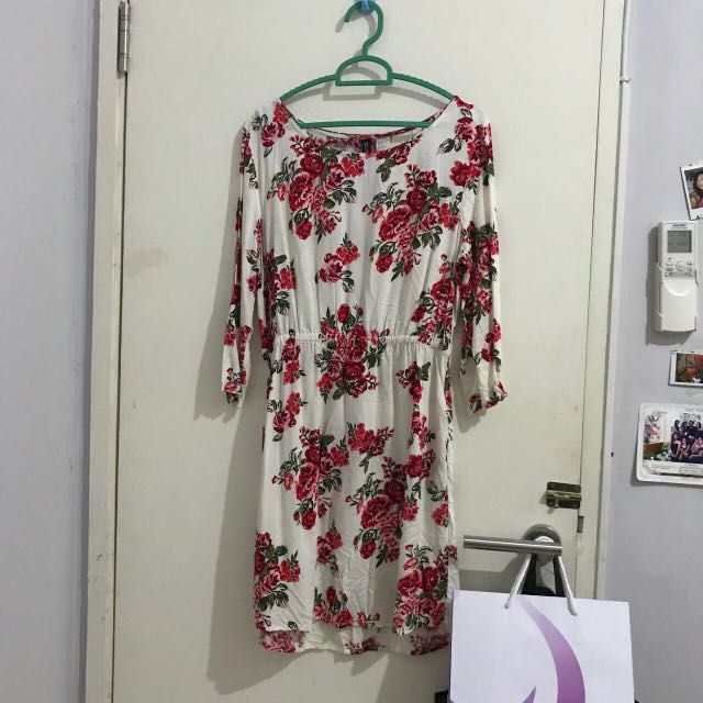 H&M divided flower dress