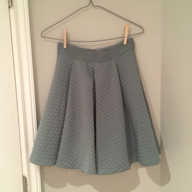 H&M mint green skirt with pleat