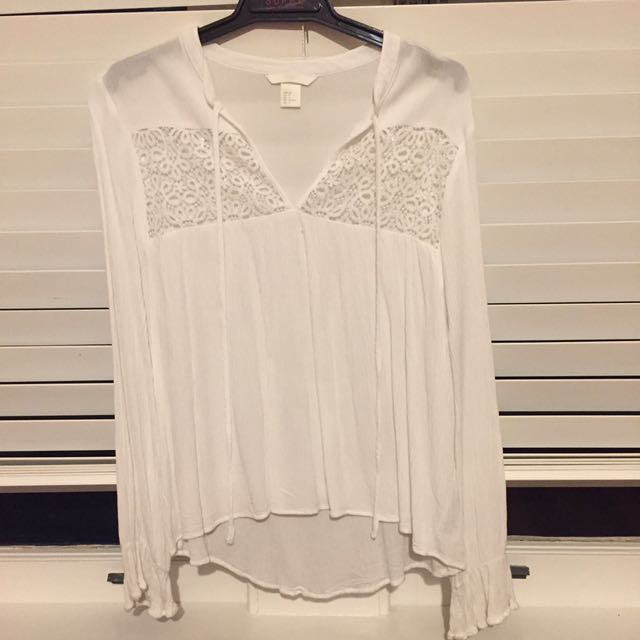 H&M white lace blouse