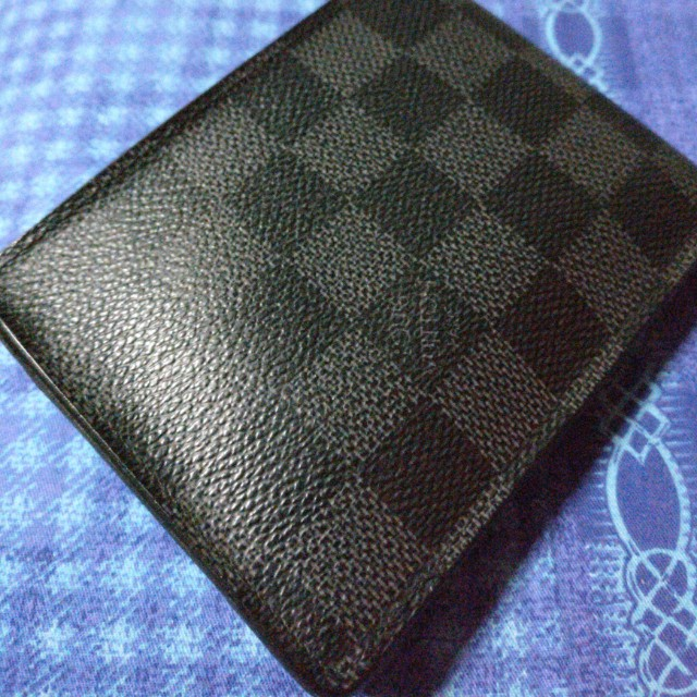 8b76fe65ab73 Louis Vuitton Multiple Wallet Damier Graphite Canvas, Men's Fashion, Bags &  Wallets on Carousell