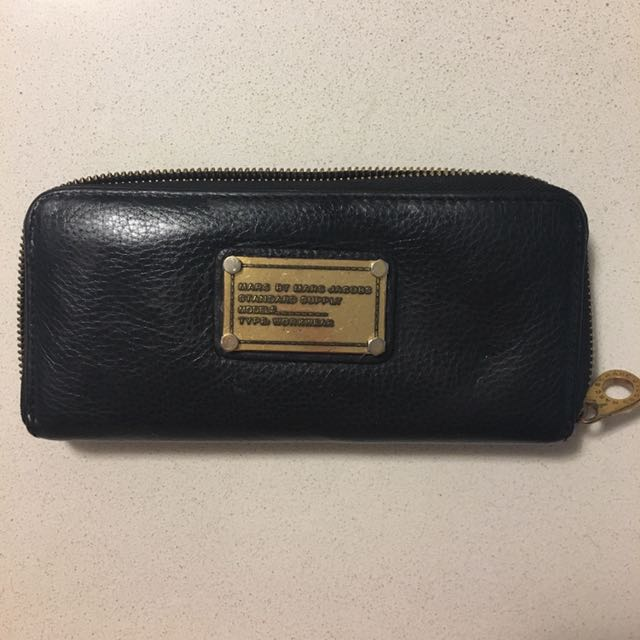 Marc by Marc Jacobs zip wallet