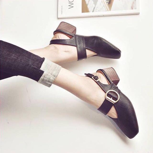 NEW Black heels by @Lasenora_boutique