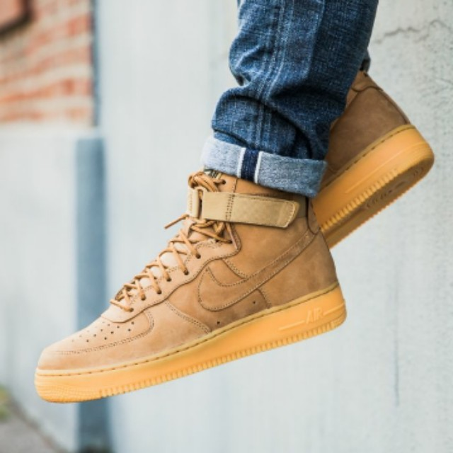 buy online 2e5f4 a6a0b Nike Air Force 1 High 07 LV8