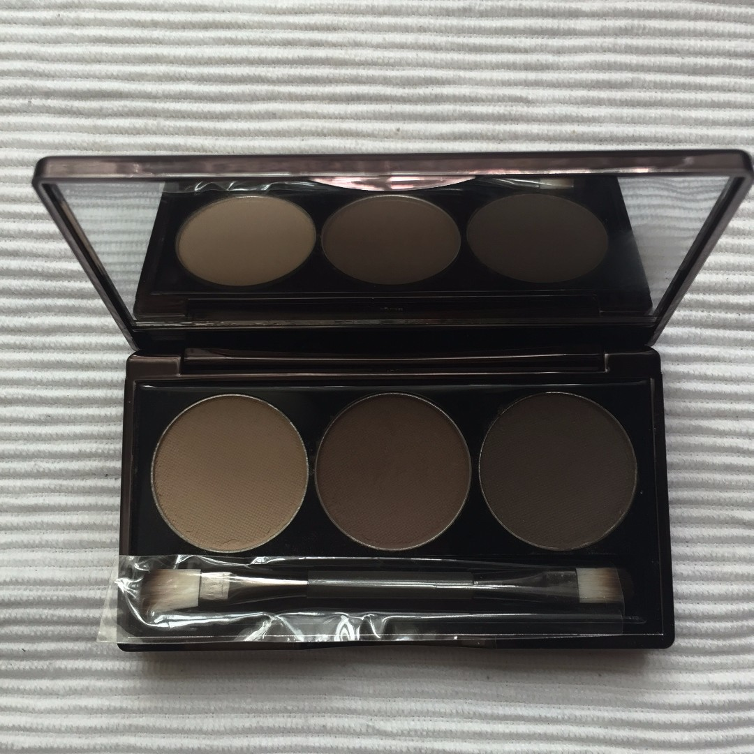 Nude by nature matte brown trio eyeshadow