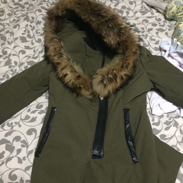 Parka with luxurious fur hood Size Medium