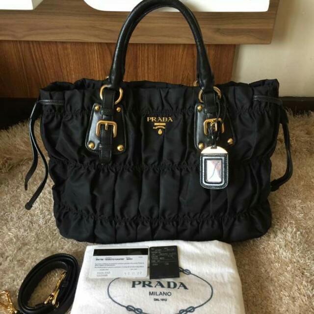 61a28315a2b8d9 sale prada tessuto gaufre preloved womens fashion bags wallets on carousell  48e59 18942