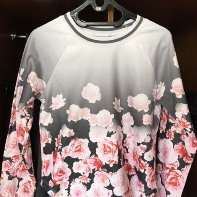 PRELOVED SWEATER FLOWER