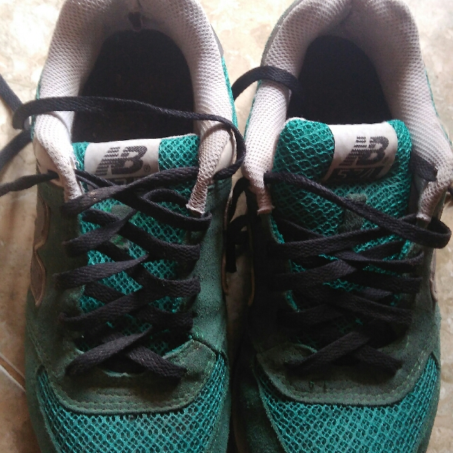 "prmisi gan ane mau jaul sepatu""NEW BALANCE""KW.ane jual 80rb aj.no box,,,,,hrga nett/free ongkir untuk area SBY."