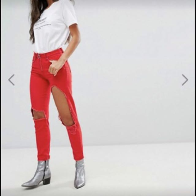 RED MISSGUIDED RIPPED JEANS SIZE 10