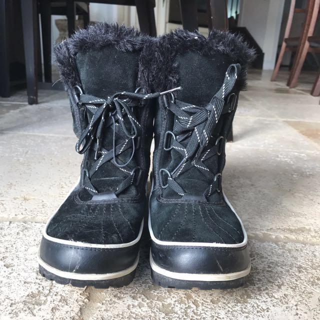 Short Black 'Sorrell' winter boots