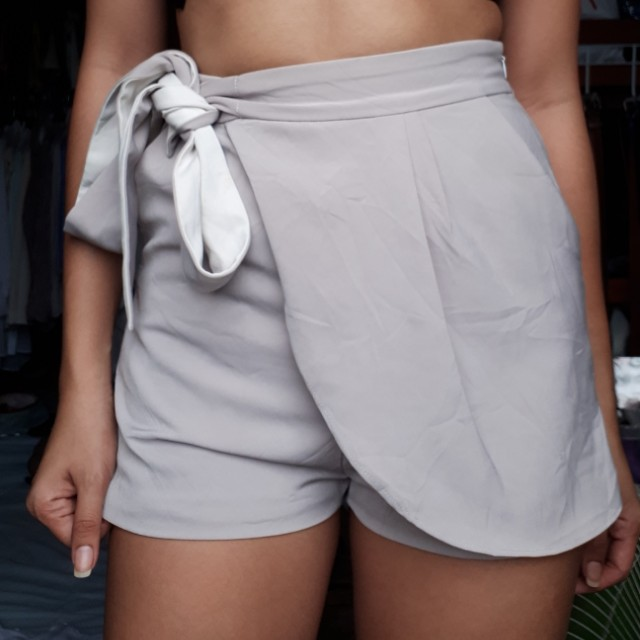 Shorts tie up