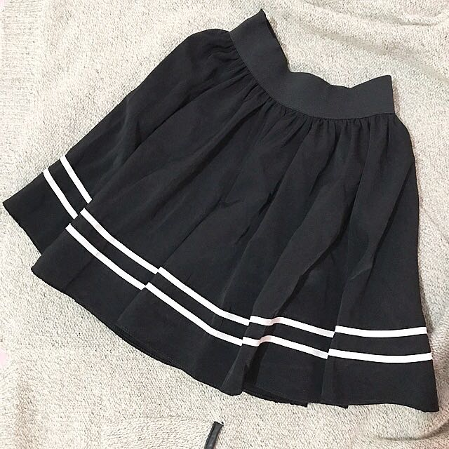 Skirt black with strip