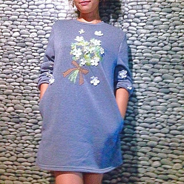 Sweater Dress w/ Flowers details