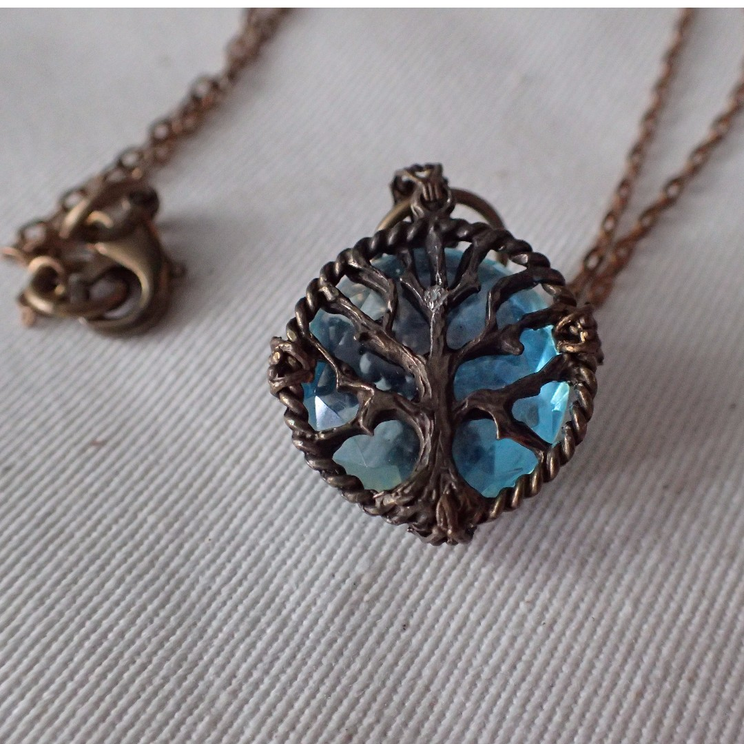 Tree of Life pendant with Antique gold-finish chain