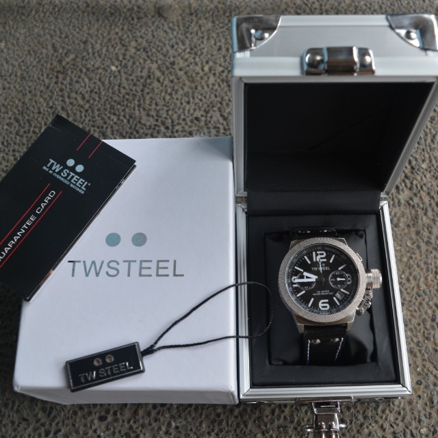TW Steel Canteen Leather Mens Watch (CS3)