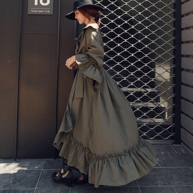 宮廷風混紡棉V領單排綁帶不規則風衣連衣裙