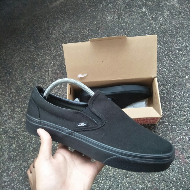 Vans slipon triple black