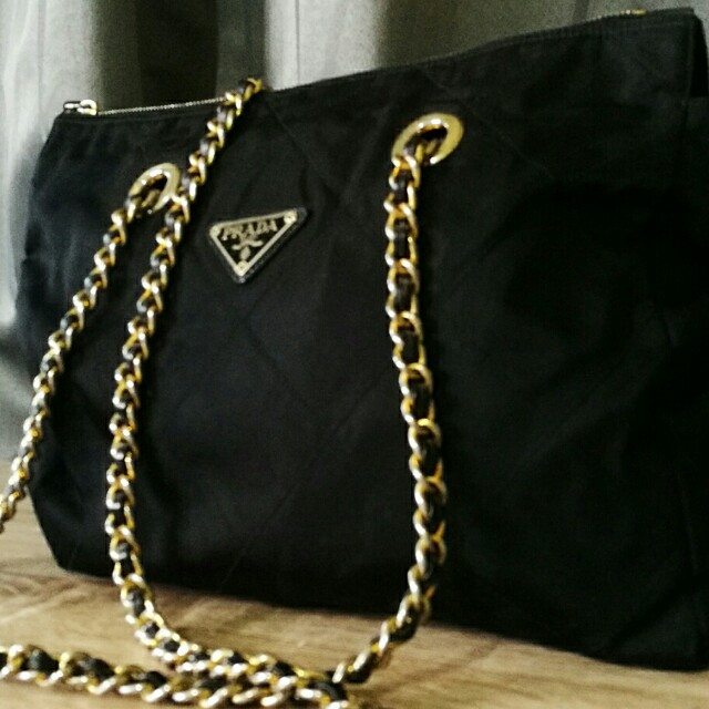 52522d7dafee7d vintage prada chain bag, Luxury, Bags & Wallets on Carousell