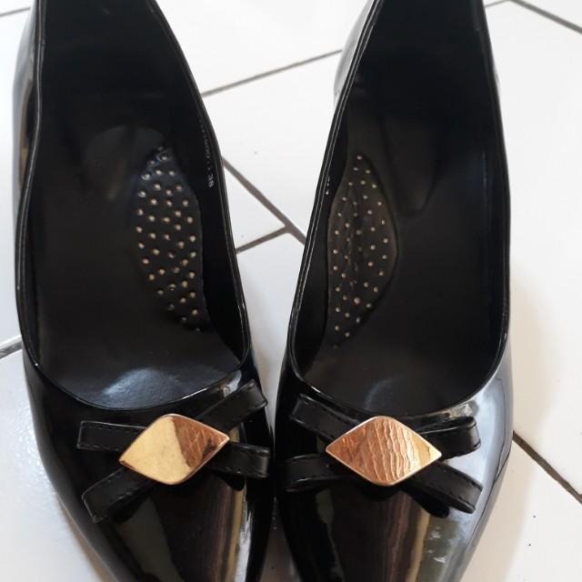 Yongki komaladi heels pantopel
