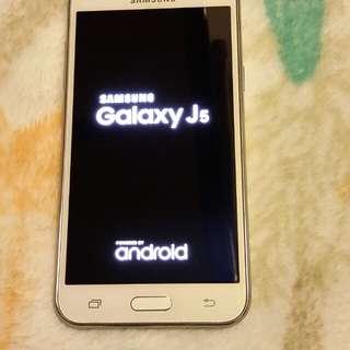 Samsung galaxy J5  16gb gd conditions
