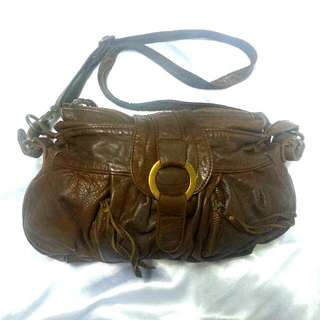 Brown leather handbag,w.26cm,h.18cm,base 24cmx10cm,side top w.5cm,side base w.8cm,2 zipper at front