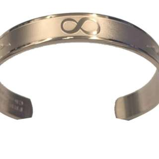 Bangle #8 with Cut (Silver)