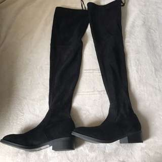Lipstik Knee high boots