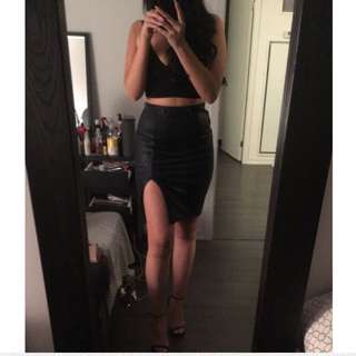 GUESS skirt SMALL