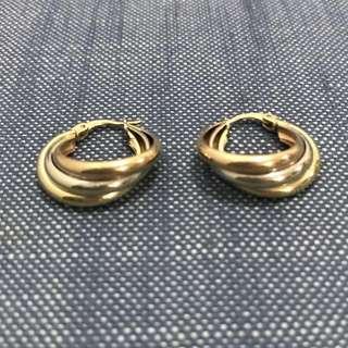 Tri gold 18k hoop earrings 4.2 grams