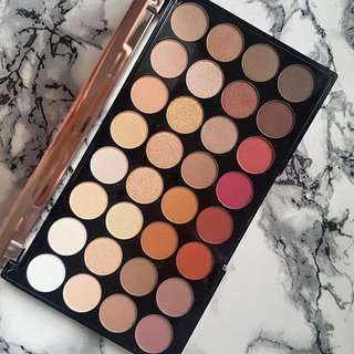 ❄️ Makeup Revolution ❄️ Ultra 32 Eyeshadow Palette - Flawless 3 Resurrection