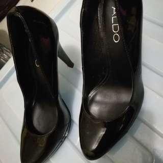 Rush! Aldo heels size 5