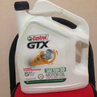 5 Quarts Castrol GTX 5W30 engine oil (mineral)