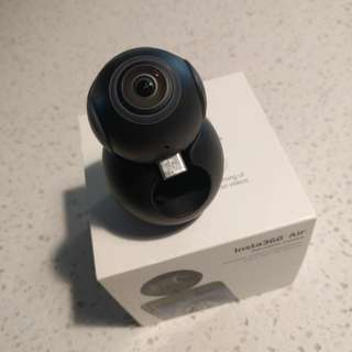 Insta360 air virtual reality VR camera USB type C connector.