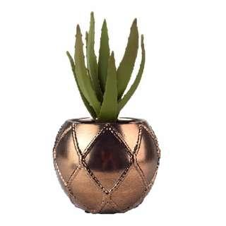 Gold Ceramic Knot Vase