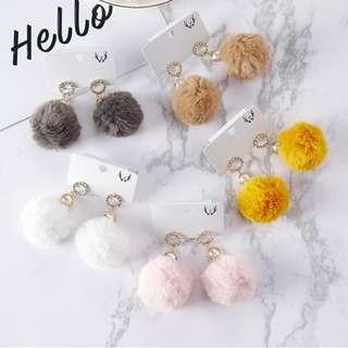 🇰🇷2017秋冬新款 水鑽珍珠毛球耳環
