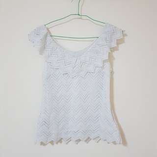 GG5 lace top