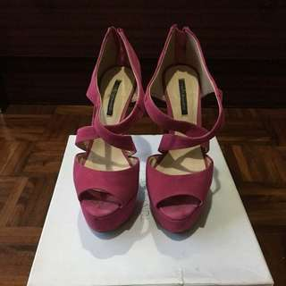 Tony Bianco pink heels size 6