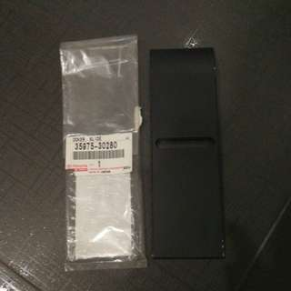 Toyota Mark X - Gear stick window slide cover