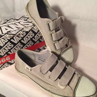 GUC Men's VANS Sneakers Size 9.5