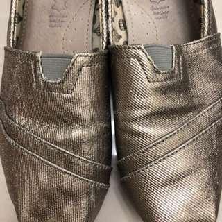 韓國購買香檳古銅金25號鞋 類似toms
