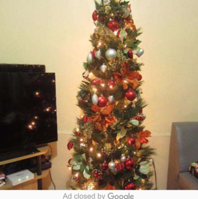 5ft Christmas tree with so many beautiful decors