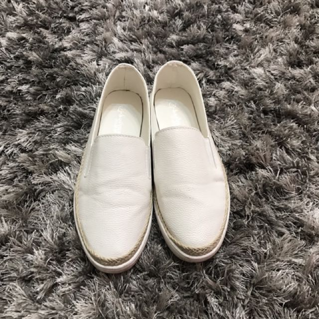 休閒小白鞋